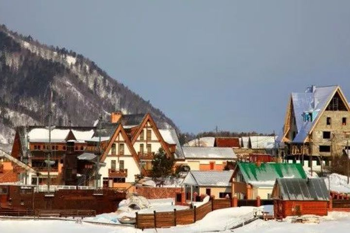 54,000 Russians Petition Putin to Bar Buying, Building by Chinese on Lake Baikal