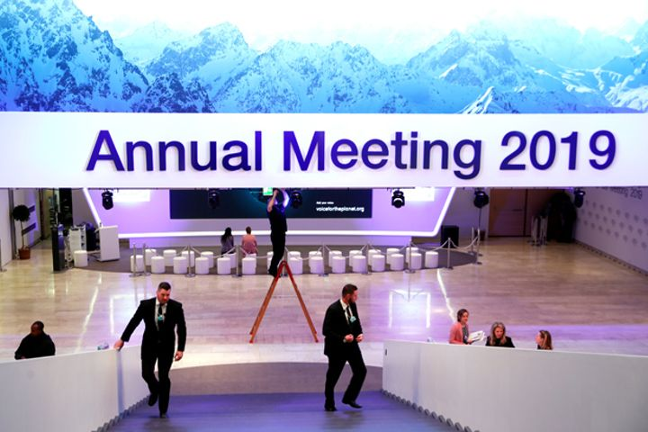 All Eyes Turn to China at Davos Amid Slowing Global Growth