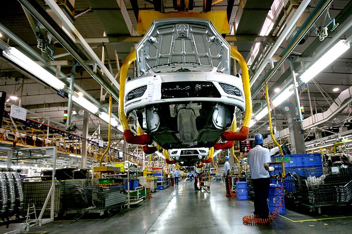 China's Auto Exports Are Growing Faster Than Those of Germany, US, Ministry Says