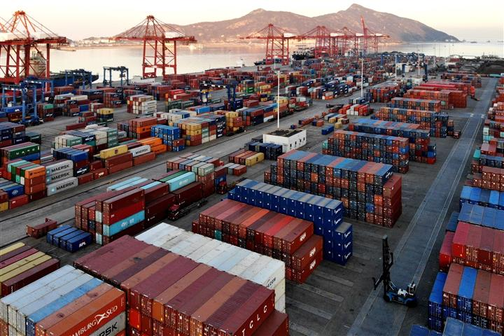 China's November Trade Surplus Surprises, Doubling to USD75.4 Billion
