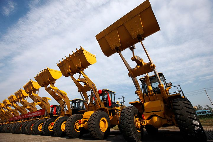 China's Digger Sales, Key Investment Gauge, Rose 11% in July