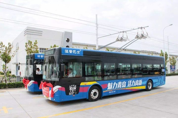 China's First Fleet of Pure Electric Buses Runs in Qingdao