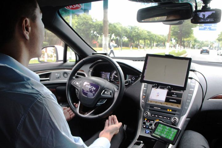 China's First Robocab Is Driven Off the Road by Sluggish Regulation