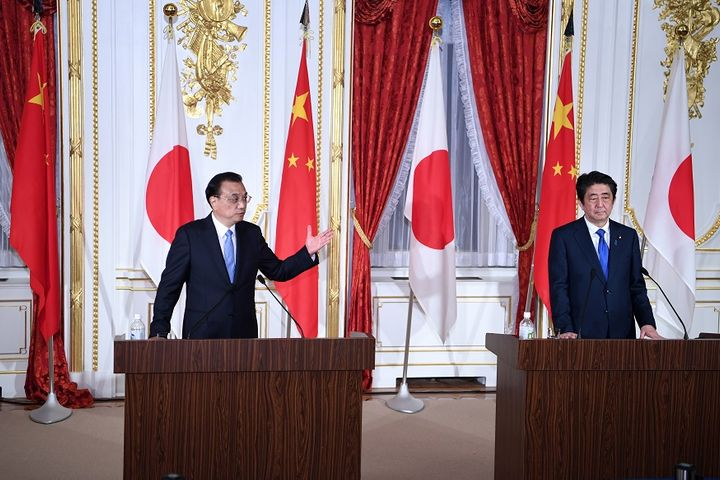 China, Japan Ink Deal to Shore Up Service Trade