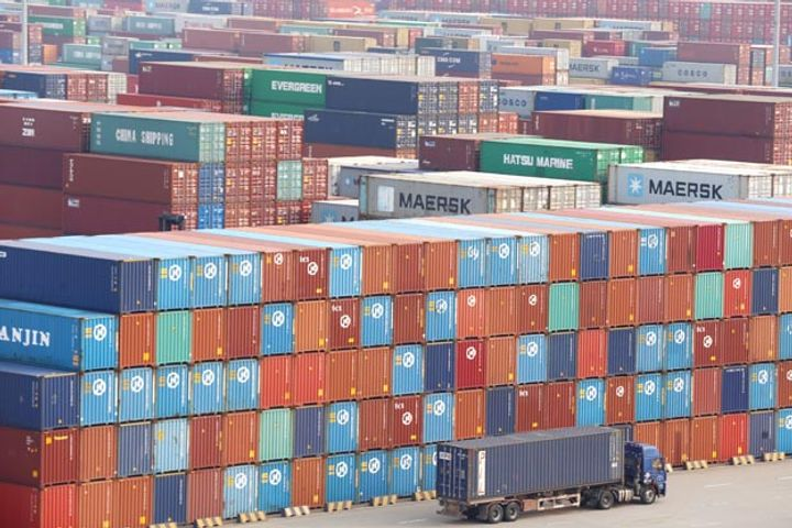 China Posts USD27.8 Billion Surplus in Trade of Goods and Services for July