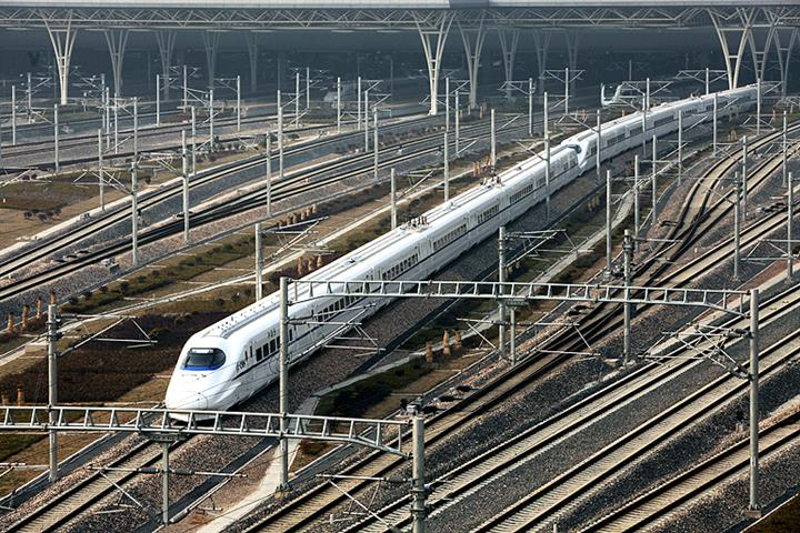 China State Railway Plans Capital Boost to Fund Coastal, Other High-Speed Links