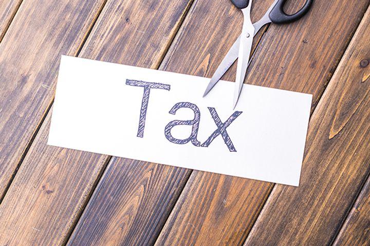 China's Tax Revenue Grows Despite Duty Cuts