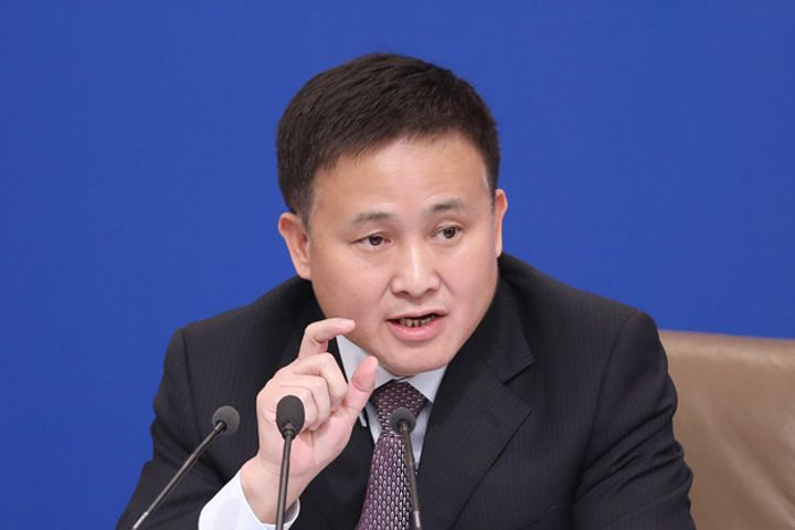 China to Improve Yuan Convertibility, Chief of SAFE Says