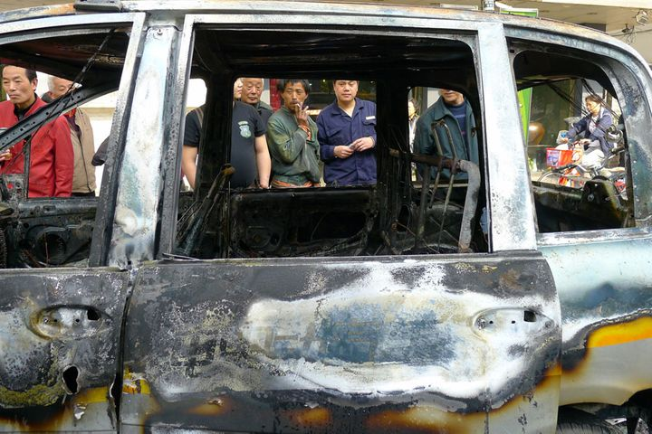 China to Toughen NEV Safety Probes After Tesla Blazes