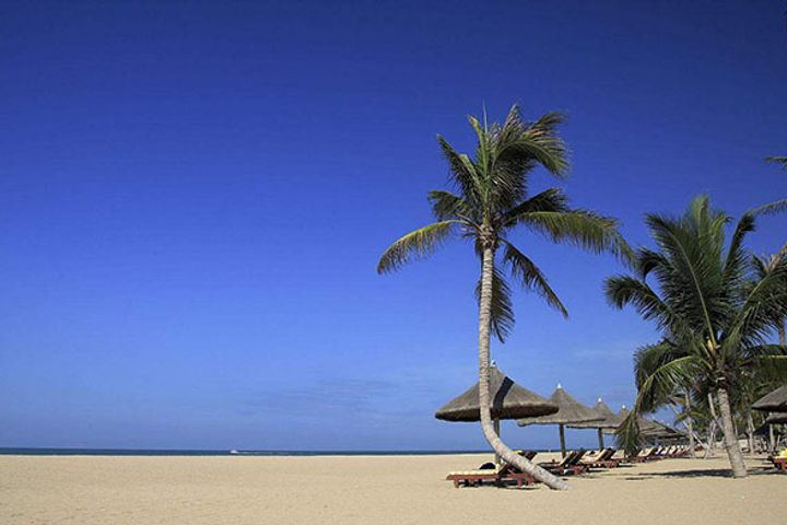 China's Tropical Hainan Province to Set Up Tourism Industry Fund, Bank to Boost Local Economy