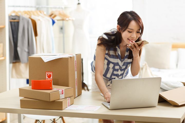 China's Young Well-Educated Women Purchase Luxury Goods Online in Droves, Report Shows