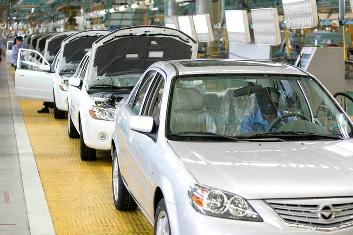 Chinese Automakers See Market Share Wane Amid Unequaled Sales Slump