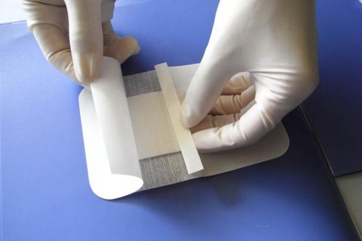 Chinese Scientists Make Hemostatic Gauze That Reduces Blood Loss 60%
