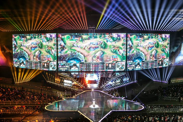 Chinese Sportswear Maker Li Ning Buys Snake Esports Team of League of Legends Experts