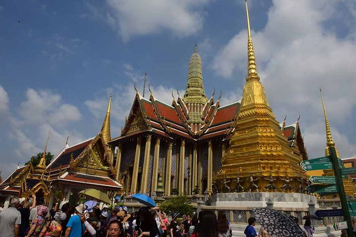 Chinese Tourists Spent USD7.1 Billion in Thailand in First Half of This Year, Thai Data Show