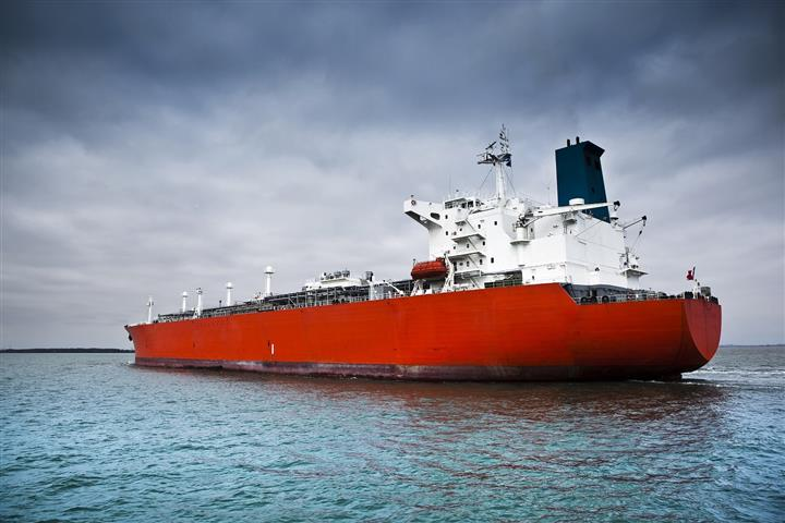 Cosco Shipping Energy Sinks on Expected 80% Drop in First-Half Profit as Tanker Rents Fall