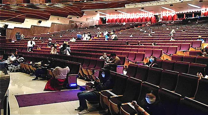 Curtain Rises on First Shanghai Theater Performance in 127 Days