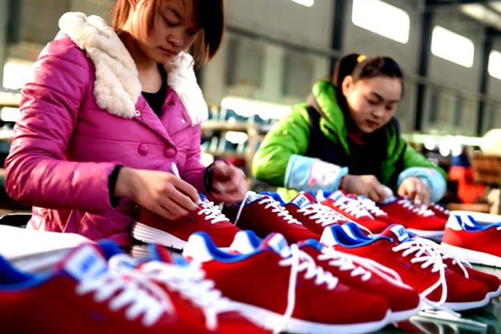 EU Alerts on Unsafe Chinese Shoes Fell Last Year