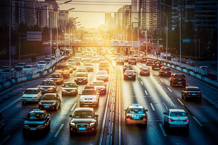 Four-Month Slide in Chinese Passenger Vehicle Sales Augurs Negative Growth