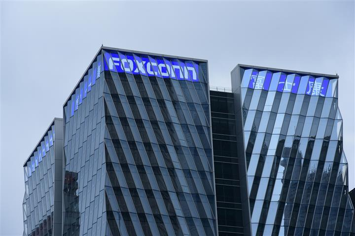 Foxconn to Make Operational Changes at Zhengzhou Plants in Wake of Henan Floods