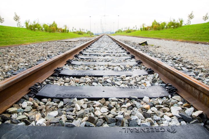 From End-of-Life Tyres, Rail Networks Become Smart Solar Power Plants
