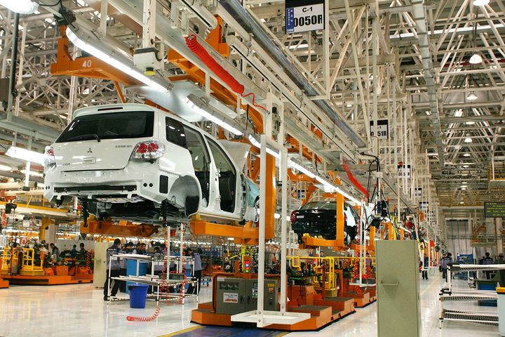 Growth of China's Auto Production and Sales Slows in First Half