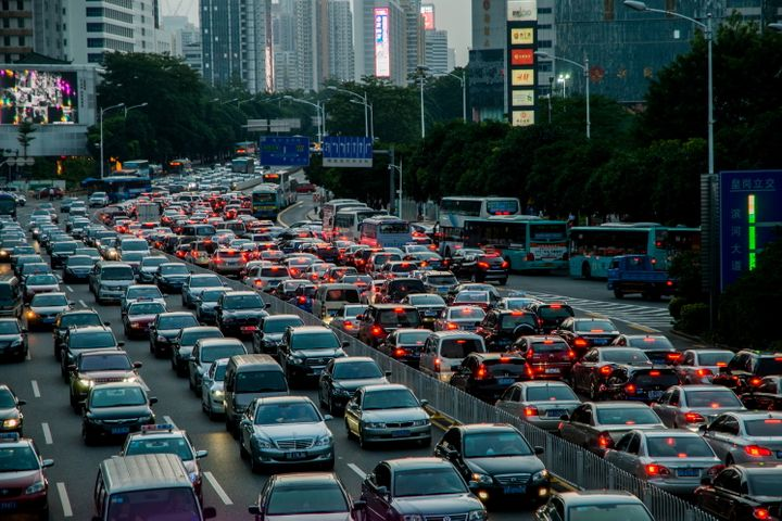 Guangzhou, Shenzhen Ease License Plate Rules to Boost Car-Buying