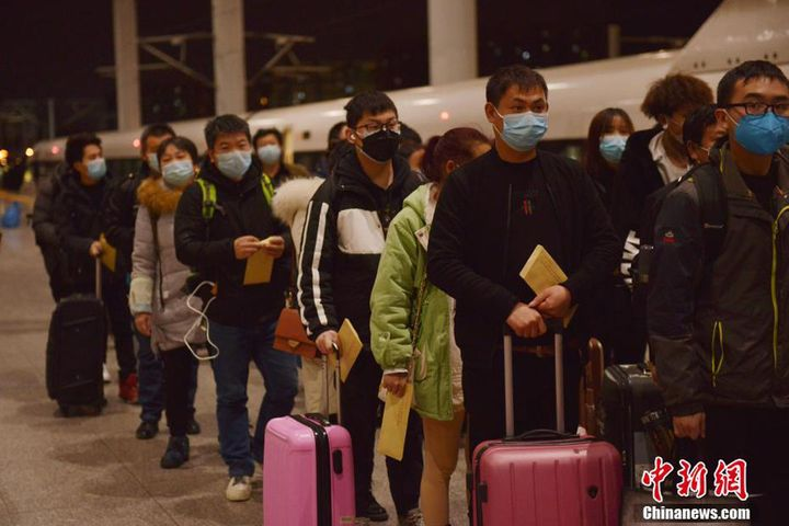 Hangzhou Welcomes First Special Train of Returning Migrant Workers