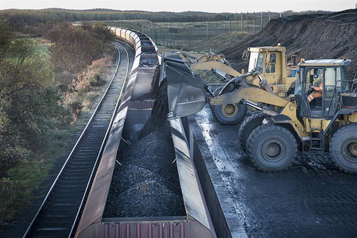 Henan's Coal Mines Roar Back to Life as Demand, Prices Soar