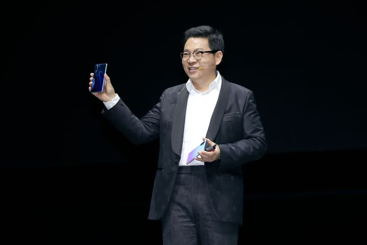 Huawei Could Best Apple, Samsung Phone Sales Next Year, Exec Director Says