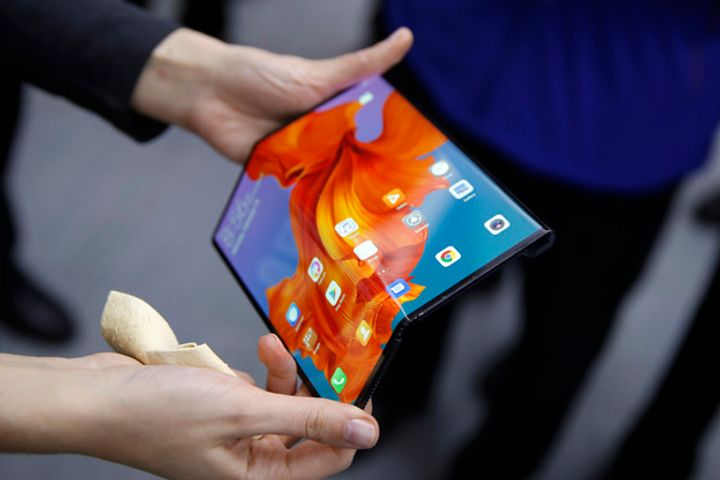 Huawei's Mate X Gets World's First CE Certificate to Sell 5G Handsets in EU