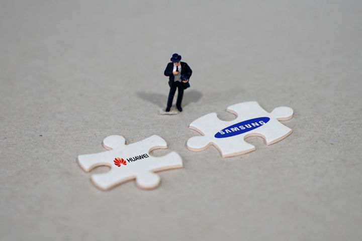 Huawei Wins Patent Infringement Case Against Samsung as Firms Duke It Out