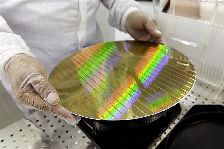 Intel, SK Hynix, TSMC Pledge Billions in Race to Enlarge Chip Production Capacity