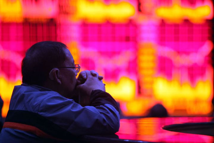 Investors Should Buy More Chinese Stocks, UBS Subsidiary Says