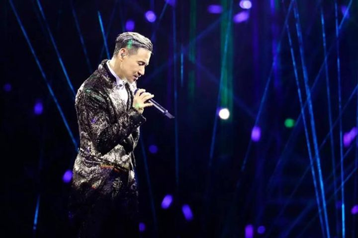 Jacky Cheung Concerts Give Away Five Fugitives Thanks to Facial Recognition Technology