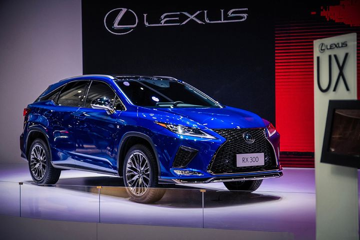 Japan's Lexus Shrugs Off Market Downturn by Pushing Prices Up in China