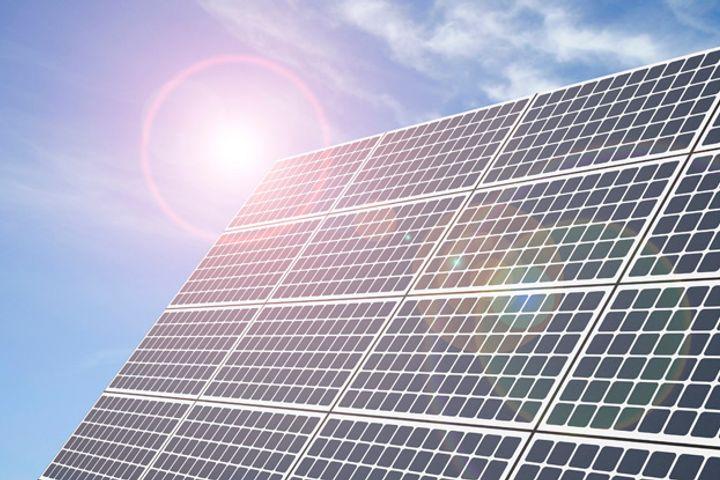 Jinko Power Bid Reigns in Spain's Main Solar Plant on the Plain