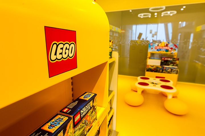 Lego Will Ramp Up Online Marketing in China, CEO Says