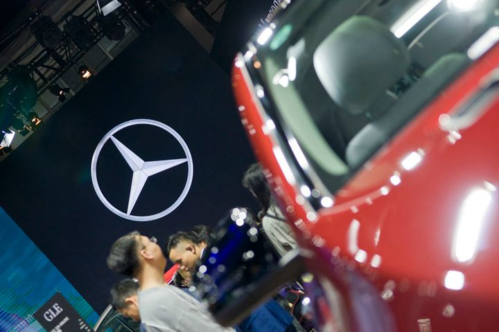 Mercedes-Benz Admits It Cannot Limit Greedy Dealers in China