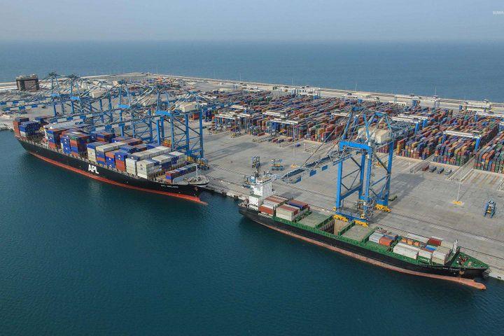MOFCOM Teams With Shanghai to Build Free Port