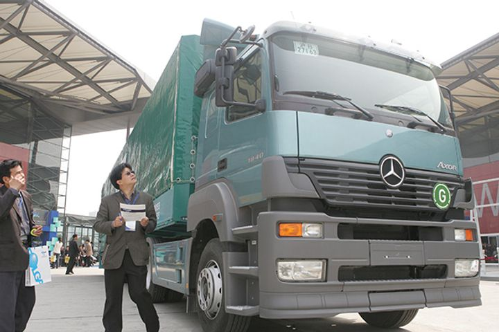 September Heavy Truck Sales Top 100,000 in China, Smash Records for Four Straight Months