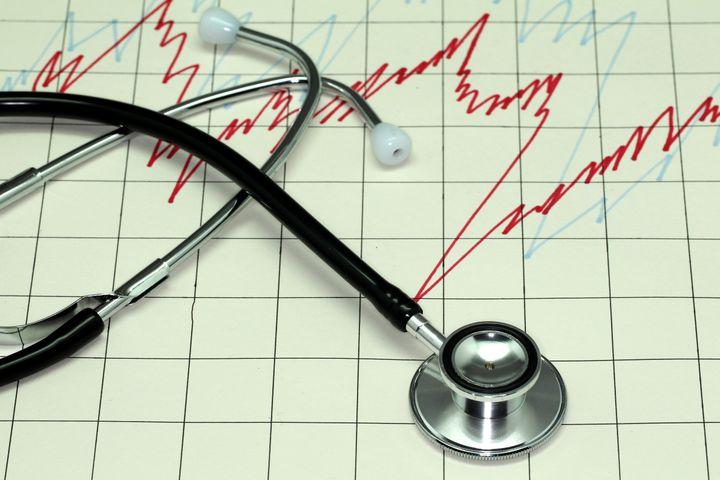 Shanghai Composite Index Crashes Below Critical Level at Market Open