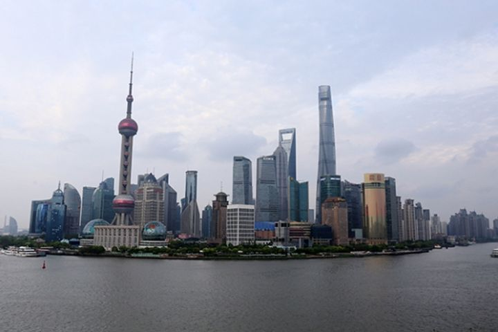 Shanghai Consumer Confidence Hits All-Time High, Investor Optimism Surges, Survey Shows