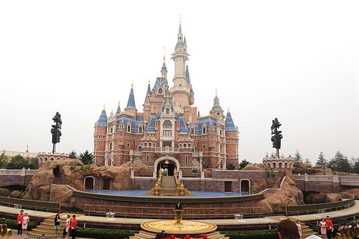 Shanghai Disneyland Sells Out Its Reopening Day