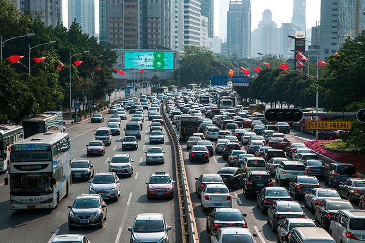 Shenzhen, Guangzhou to Add 180,000 License Plates to Spur Car Sales