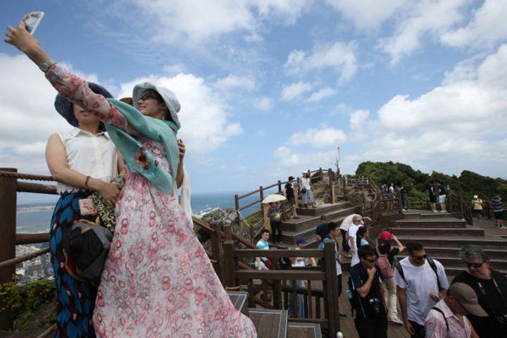 South Korea Retains Trade Surplus But China Tourism Boycott Flogs Services Sector