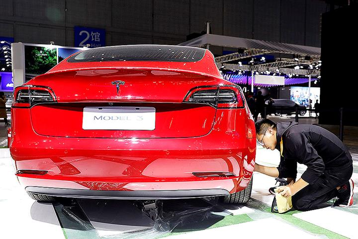 Tesla Raises Sticker Price of China-Made Model 3