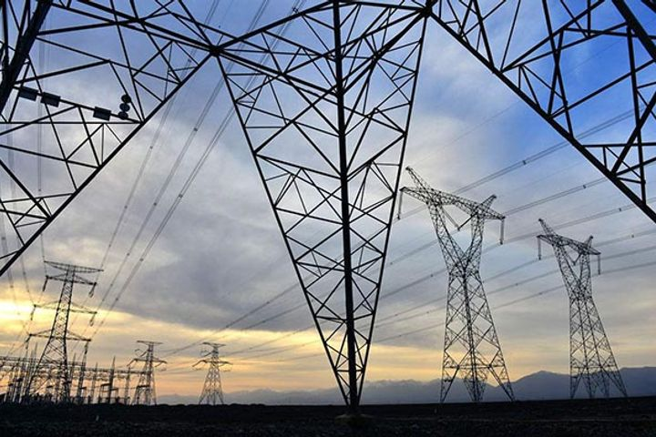 Third Power Transmission Line in Xinjiang Proposed During Two Sessions