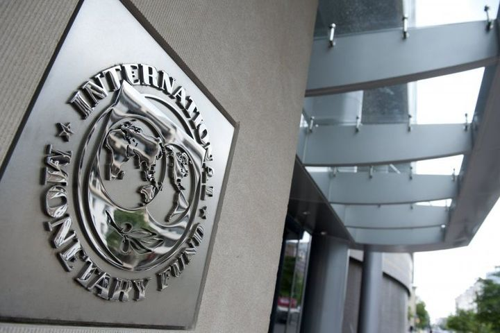US Firms Shoulder China Tariff Costs, IMF Finds