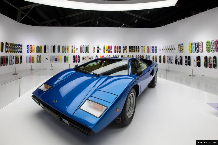 Vintage Cars Worth USD30 Million Go on Show in Shanghai